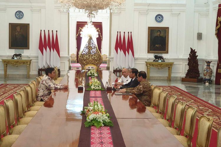 CEO Bukalapak Ahmad Zaky bertemu Presiden Jokowi di Istana Merdeka, Jakarta, Sabtu (16/2/2019).