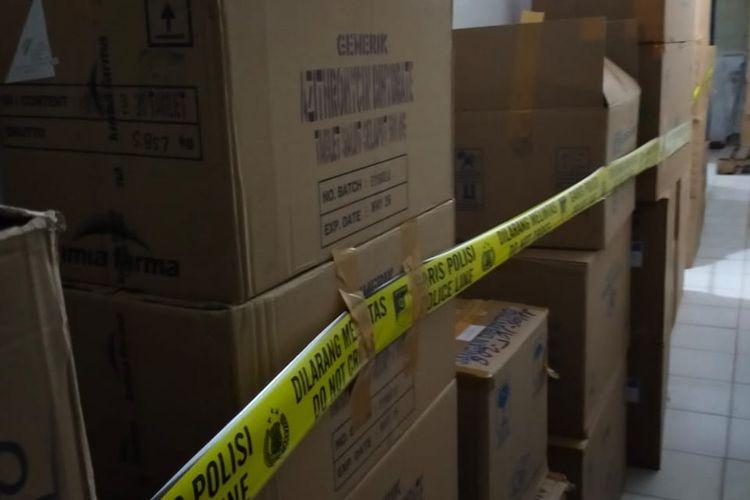 Ratusan boks obat untuk penanganan Covid-19 ditemukan ditimbun di gudang penyimpanan obat milik PT ASA di Kalideres, Jakarta Barat, pada 9 Juli 2021.