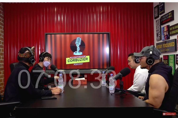 (Dari kiri) Ketua KPI Agung Suprio, dr Tirta, pembawa acara Gilang Dirga, dan host Deddy Corbuzier.
