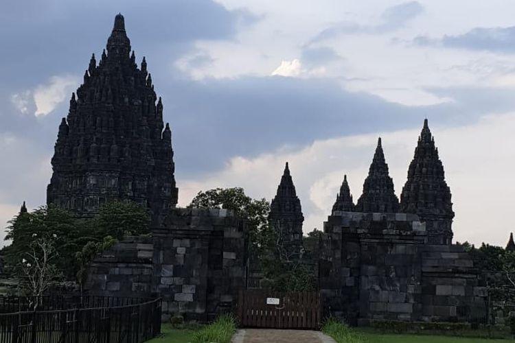 Ilustrasi Candi Prambanan.