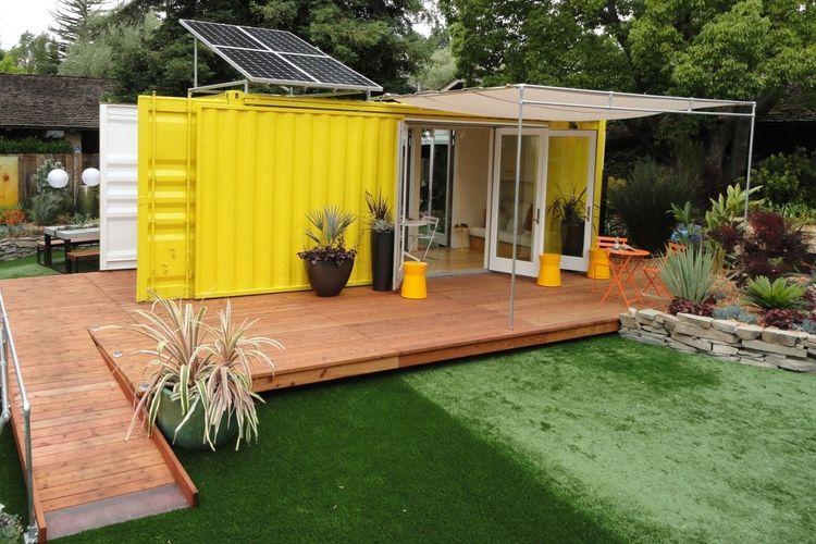 Ruang ekstra di taman dari kontainer karya HyBrid Architecture