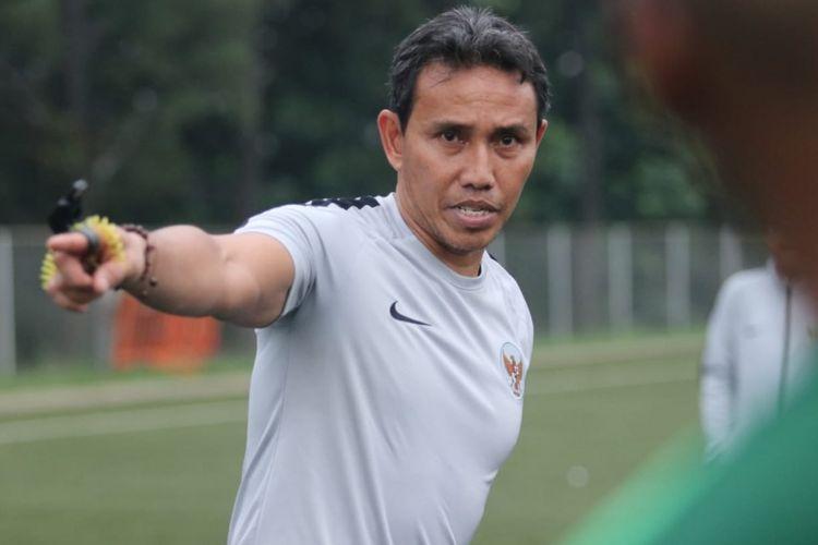 Pelatih Tim Nasional U-16 Indoensia, Bima Sakti, optimis bisa mendapatkan komposisi pemain yang pas dalam seleksi dan pemusatan latihan tim garuda junior di lapangan latihan PSSI, Sawangan, Selasa (14/5/2019)