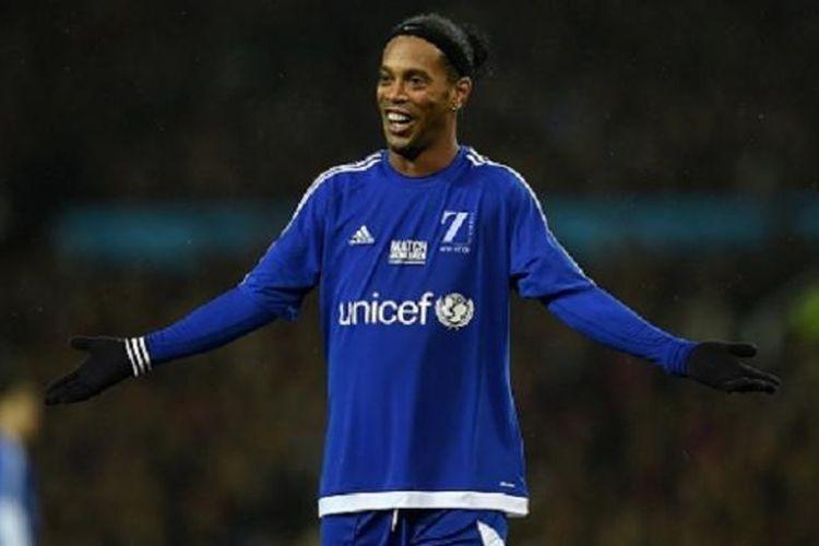 Gelandang asal Brasil Ronaldinho turut bermain pada laga amal Unicef. Ia memperkuat Tim Sisa Dunia yang asuhan pelatih Carlo Ancelotti.