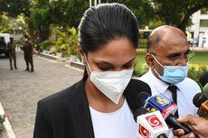Lepas Paksa Mahkota Mrs Sri Lanka, Caroline Jurie Diseret ke Pengadilan