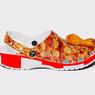 Kolaborasi Crocs x KFC Hasilkan Sepatu Beraroma Ayam Goreng
