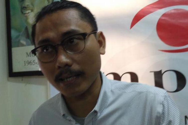 Pengacara publik YLBHI, Julius Ibrani di kantor Imparsial, Jakarta, Kamis (3/11/2016)
