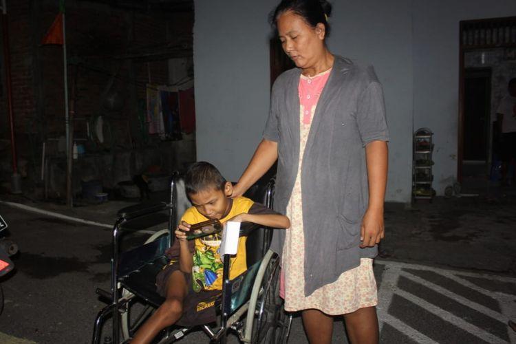 Joseph Arnando (8), bocah laki-laki yang tinggal di Jalan Karanggawang Baru II RT 6 RW 6 Tandang, Kecamatan Tembalang Semarang