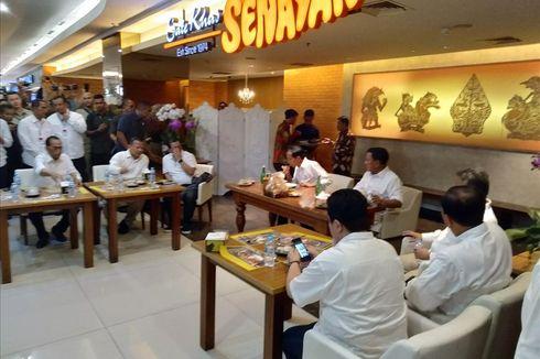 Jokowi dan Prabowo Makan Siang Satu Meja di Sate Senayan FX Sudirman