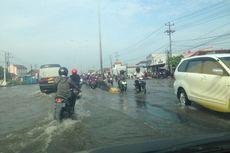 Jalur Pantura Semarang Banjir, Kendaraan dari Jakarta Tersendat