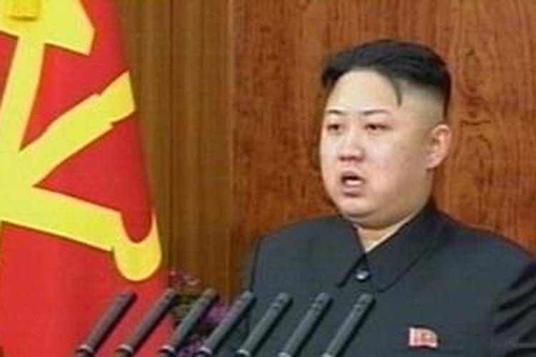 Pemimpin Korea Utara Kim Jong-Un saat menyampiakan pidato tahun baru pada Selasa 91/1/2013) di Pyongyang.