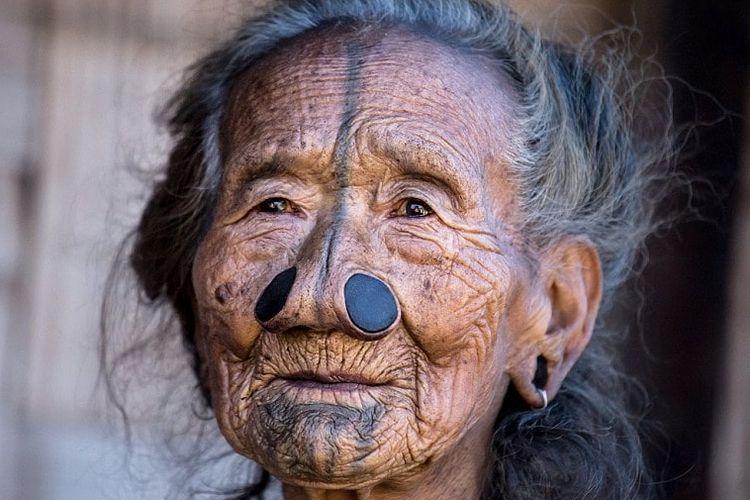 Suku Apatani India