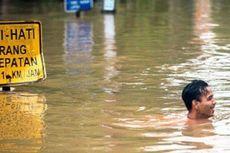 Jelang Musim Hujan, Pemkot Bekasi Terus Keruk Drainase