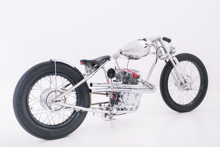 Motor custom Honda MegaPro bergaya chopper garapan CBMixed