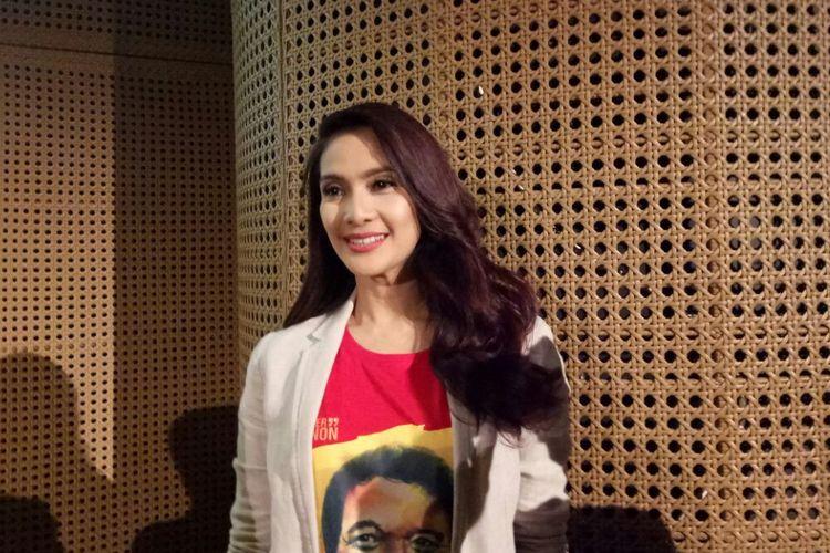 Maudy Koesnaedi saat ditemui pada jumpa pers Konser Teatrikal Babe, Muka Kampung Rejeki Kota, di Galeri Indonesia Kaya, Grand Indonesia, Jakarta Pusat, Rabu (30/8/2017).