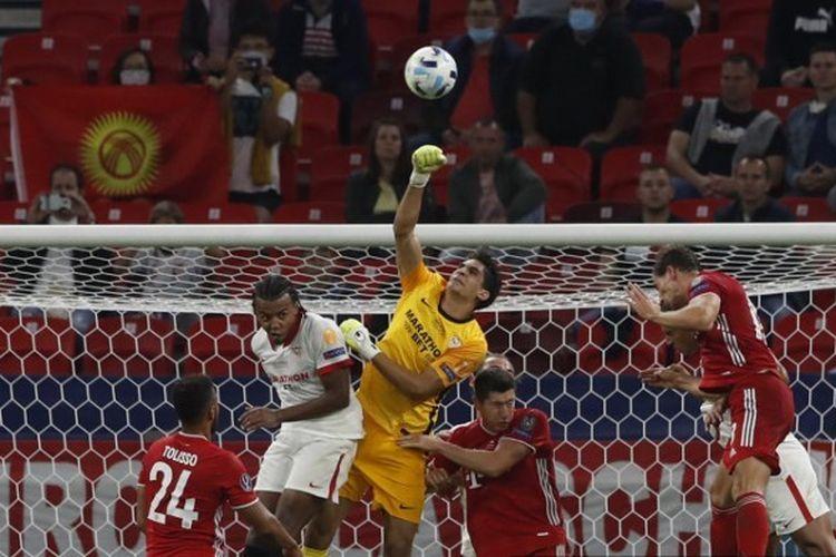Laga Bayern Muenchen vs Sevilla pada Piala Super Eropa.
