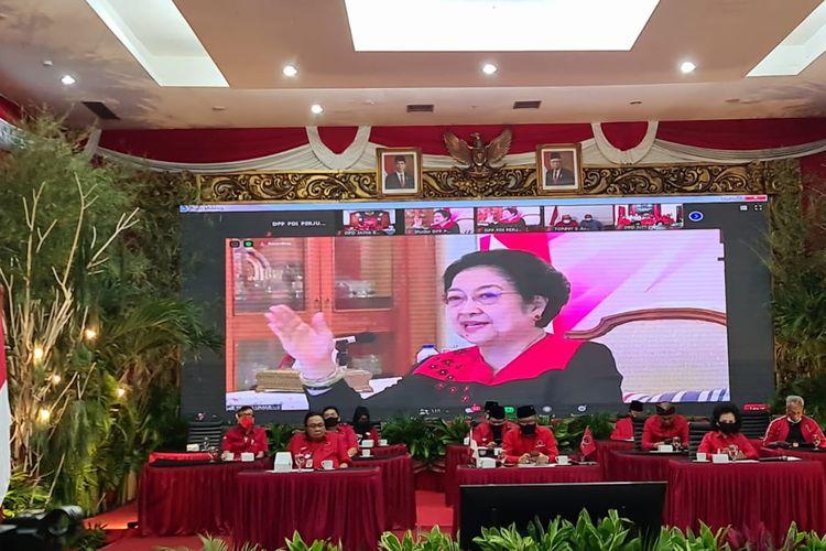 Ketua Umum DPP PDI Perjuangan, Megawati Soekarnoputri, menyampaikan arahan kepada paslon Pilkada 2020, Jumat (28/8/2020).