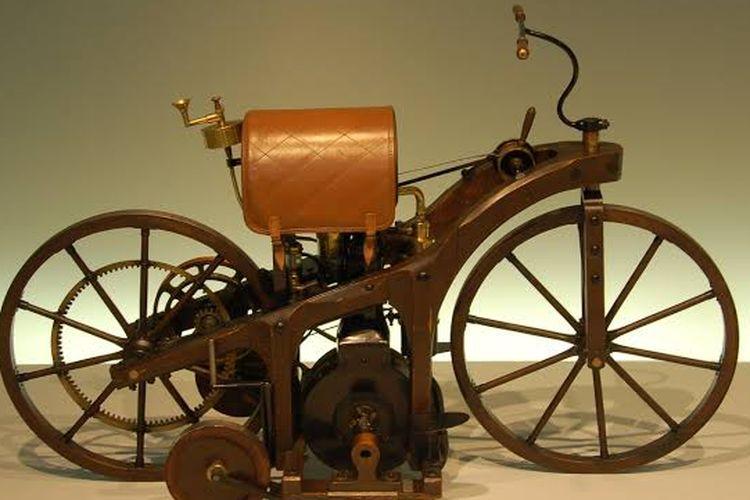 Daimler Reitwagen.