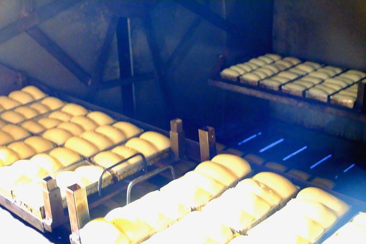 Produsen roti Paramount Bakery yang memakai gas bumi PGN sebagai bahan bakar sejak 2019.