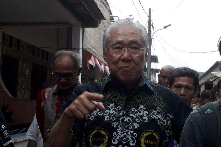 Menteri Perdagangan Enggartiasto Lukita saat mengunjungi pabrik tahu dan tempe rumahan warga Semanan, Kalideres, Jakarta Barat pada Rabu (19/9/2018).