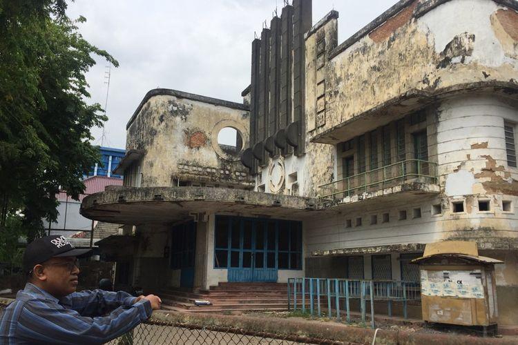Gedung bioskop Irama Pamekasan sudah tidak beroperasi lagi sejak tahun 2003. Gedung bioskop ini sudah tidak terawat lagi sejak ditutup.