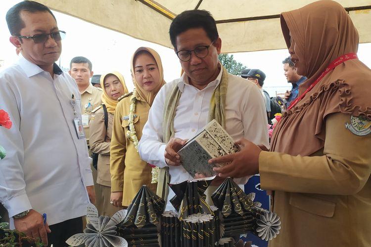 Menteri Desa PDTT Abdul Halim Iskandar melakukan kunjungan di Obyek Wisata DLas Desa Serang, Kecamatan Karangreja, Kabupaten Purbalingga, Jawa Tengah, Selasa (10/3/2020).
