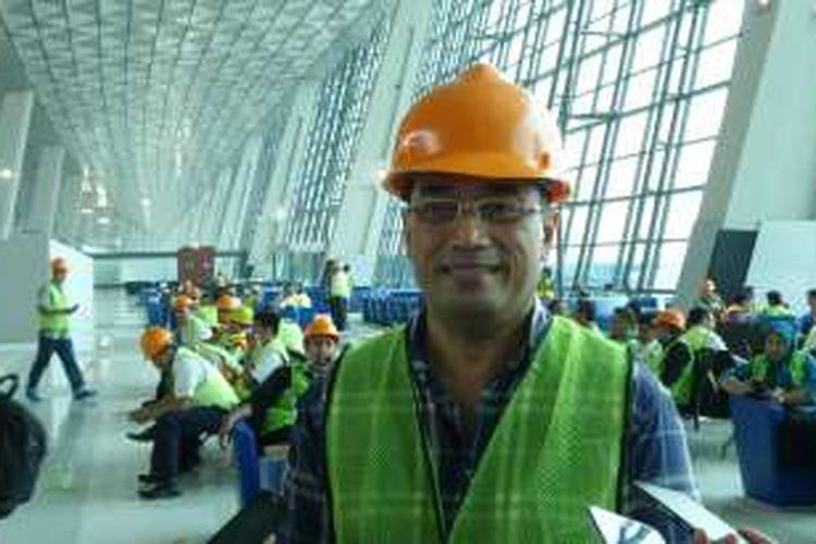 Direktur Utama PT Angkasa Pura II Budi Karya Sumadi memberikan keterangan saat simulasi Terminal 3 Ultimate Bandara Soekarno-Hatta, Tangerang, Minggu (12/6/2016). Terminal terbesar di Bandara Soekarno-Hatta ini akan dioperasikan 20 Juni 2016 mendatang.