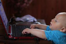 Awas, Terlalu Sering Nonton TV dan Main Gadget Bisa Merusak Otak Anak