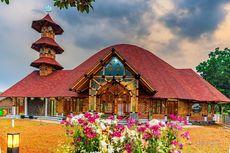 Melihat Keindahan Masjid Bambu Terbesar di Tengah Tol Tangerang-Merak
