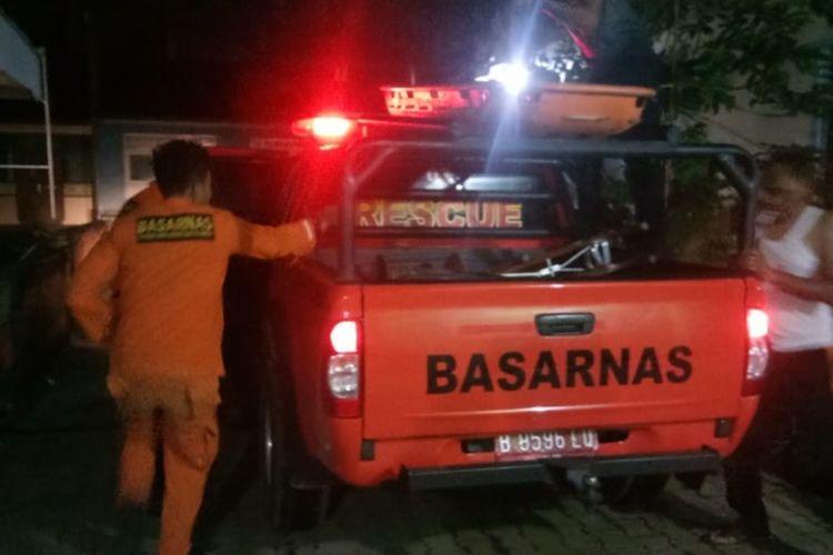 Tim SAR Limapuluh Kota melakukan evakuasi terhadap sopir truk yang masuk jurang, Kamis (21/1/2021)