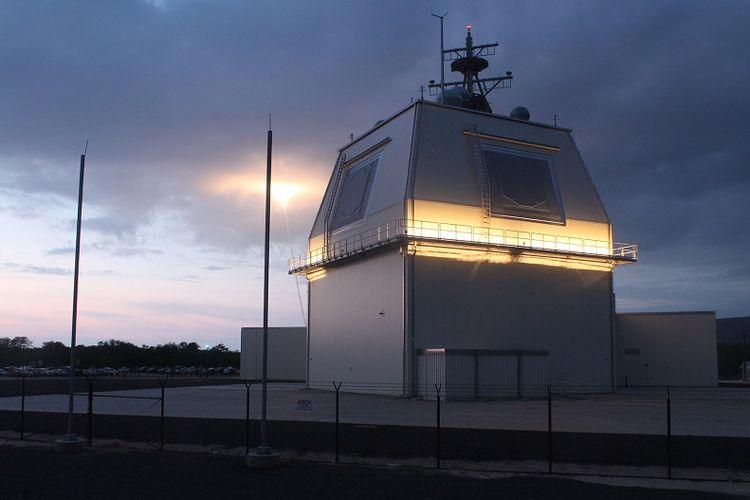 Sistem radar anti-serangan rudal bikinan pabrikan Lockheed Martin, Aegis Ashore.