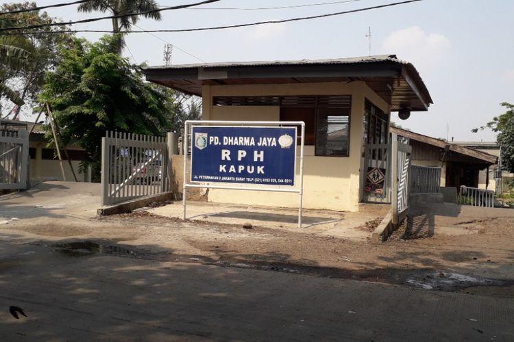 Pintu masuk Rumah Pemotongan Hewan Kapuk, Jumat (7/9/2018).