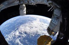 Astronot Coba Memanggang Kue Kering di Luar Angkasa, Apakah Berhasil?