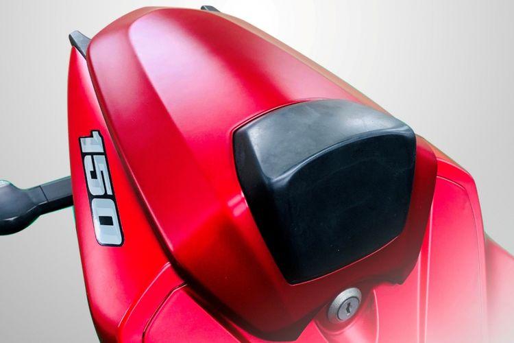 Single seater Suzuki GSX-R150 Matt Summer Red