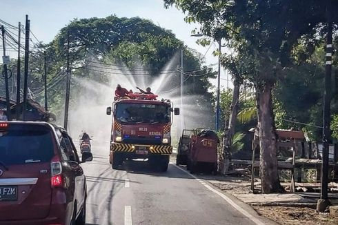 Pagi Ini, 28 Pasar di Jakarta Barat Disemprot Cairan Disinfektan