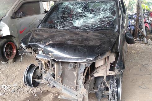 Empat Fakta Polisi yang Diamuk Massa, Diduga Berkendara Ugal-ugalan dan Mobil Remuk