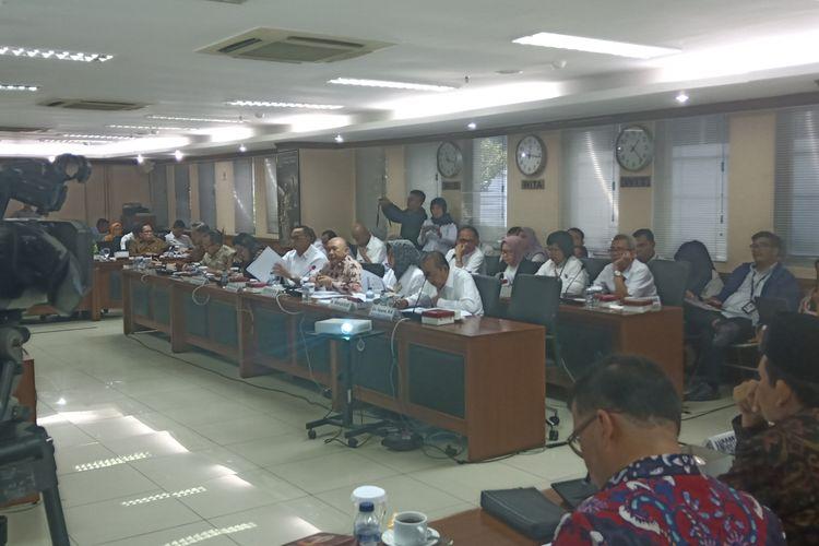 Menteri Koperasi dan Usaha Kecil dan Menengah, Teten Masduki saat rapat bersama komite 4 DPD RI, Selasa (14/1/2020)