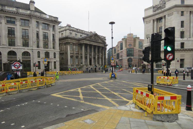 Suasana Kota London sepi setelah wabah virus corona yang terjadi di Inggris, 19 Maret 2020.