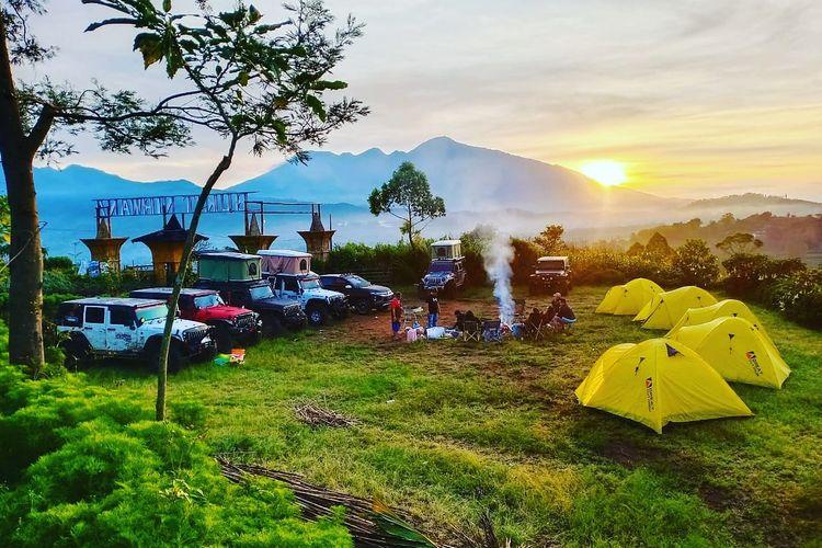 Bukit Nirwana yang terletak di Desa Pujon Kidul, Kabupaten Malang, Jawa Timur, bisa menjadi pilihan berwisata di Malang.