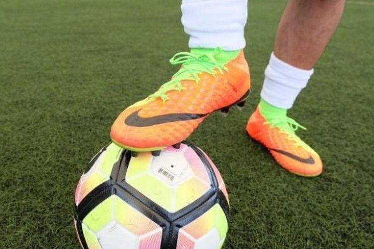 Sepatu sepak bola terbaru Nike, Hypervenom 3.