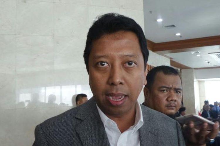 Ketua Umum Partai Persatuan Pembangunan (PPP) Romahurmuziy di Kompleks Parlemen, Senayan, Jakarta, Kamis (23/2/2017).