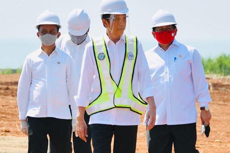 Presiden Jokowi saat meninjau kawasan industri Batang, Jawa Tengah, Selasa (30/6/2020)