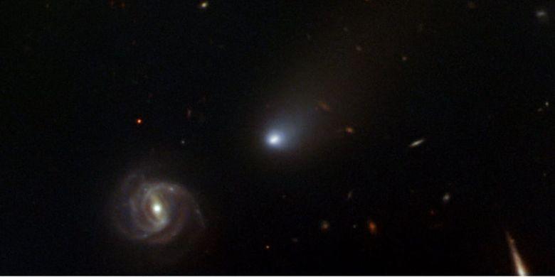 Komet Borisov (magnitudo semu +16) bersebelahan dengan galaksi NGC 3513 saat berada di rasi bintang Crater kala diabadikan dengan teleskop raksasa Gemini North (Hawaii) pada 11 Nov 2019 lalu.