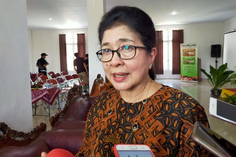Dewan Penasehat Perhimpunan Dokter Spesialis Mata Indonesia (Perdami) Prof. Dr. dr. Nila Djuwita Faried Anfasa Moeloek, SpM(K), mendorong semua pihak ikut memikirkan bagaimana membuat sistem rujukan dan sistem penemuan penderita katarak sejak dini.