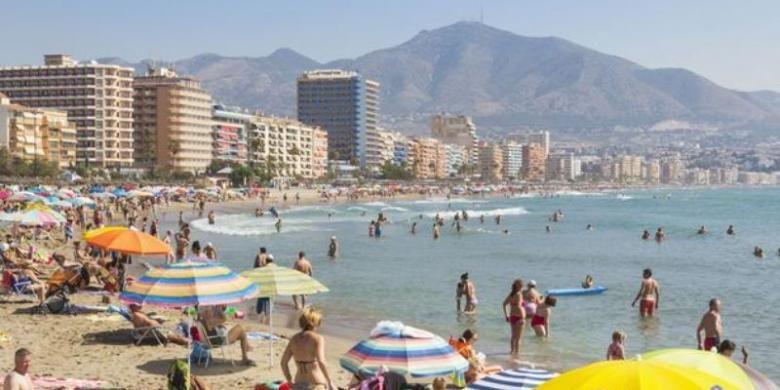 Pantai Costa del Sol, Spanyol merupakan salah satu kawasan wisata populer di Eropa. Beberapa dinas intelijen yakin ISIS tengah mengincara lokasi-lokasi wisata semacam ini pada musim panas tahun ini.