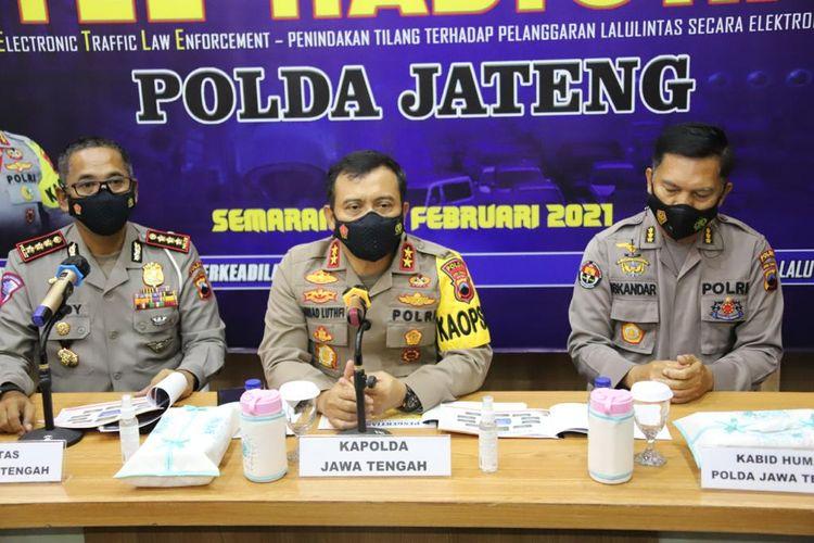 Kapolda Jateng Irjen Ahmad Luthfi saat konferensi pers di gedung Ditlantas Polda Jateng, Senin (21/2/2021).