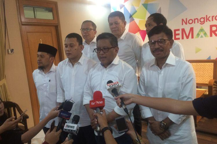 Para sekretaris jenderal partai politik yang tergabung dalam Koalisi Indonesia Kerja, Minggu (12/8/2018) sore, menggelar pertemuan untuk mematangkan dan mengonsolidasikan tim pemenangan di sebuah rumah di Jalan Cemara 19, Menteng, Jakarta Pusat.