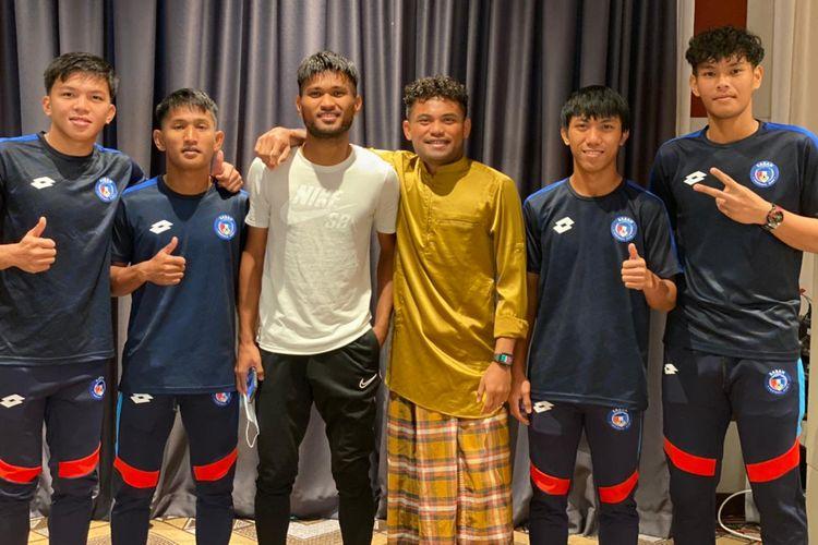 Pemain Sabah FA Saddil Ramdani seusai sholat Idul Adha bersama tim di Johor Malaysia, Selasa (20/7/2021) pagi.