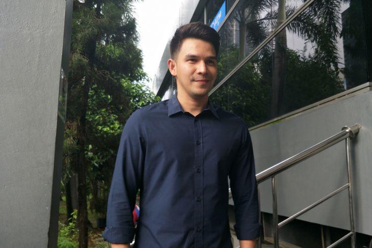Jonathan Frizzy setelah melaporkan pengancam keluarganya ke Polda Metro Jaya, Jakarta Selatan, Kamis (26/4/2018).