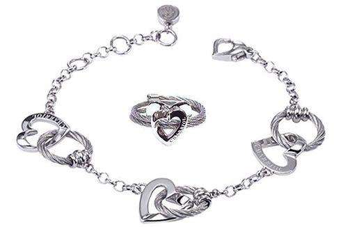 Rebut Perhiasan Senilai Rp 4,5 Juta Lewat Media Sosial
