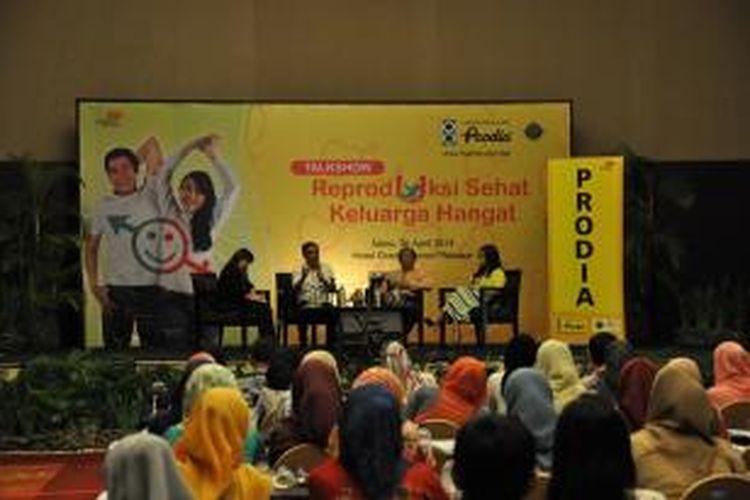 Laboratorium Klinik Prodia menyelenggarakan roadshow seminar nasional  bagi masyarakat umum di 18 kota besar di Indonesia dengan tema kesehatan reproduksi.